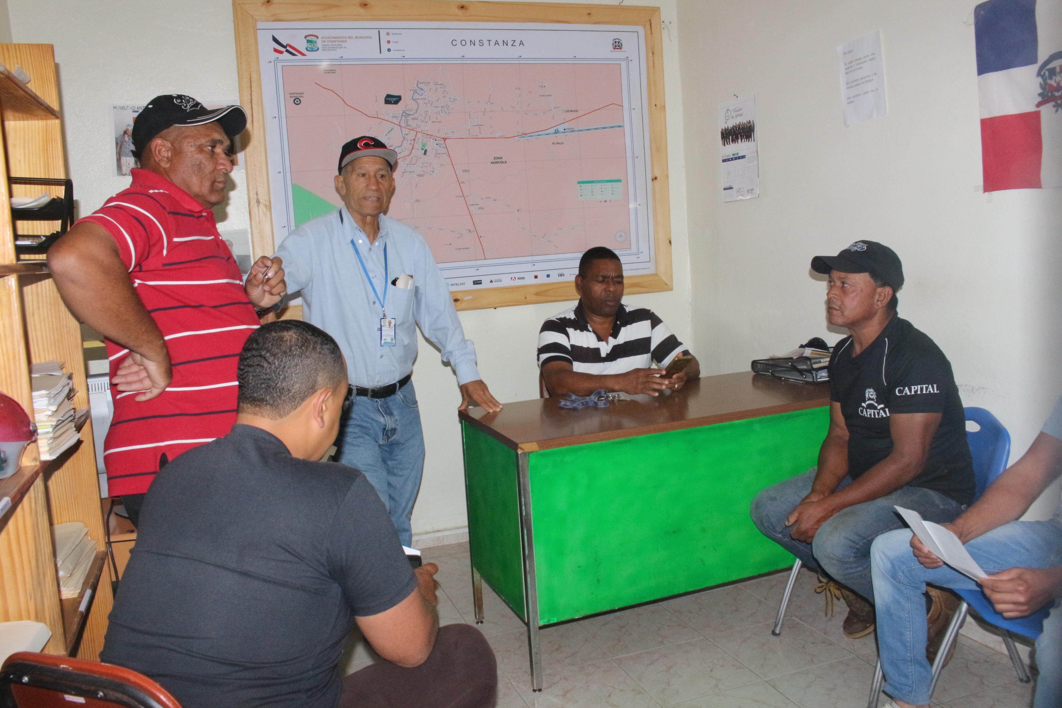 Unidades del cabildo trabajan en la solución de problemas medioambientales