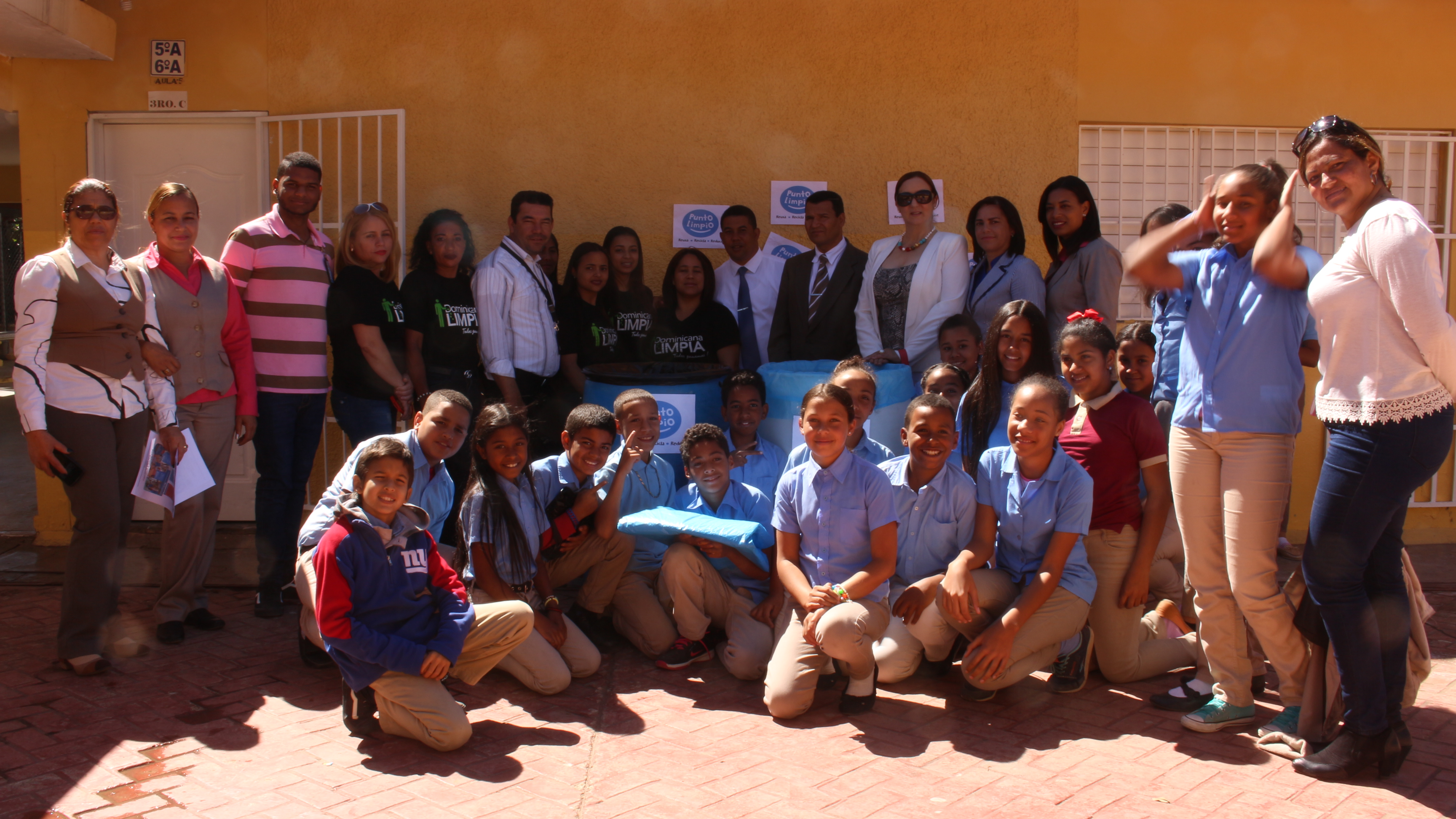 """Dominicana Limpia lanza concurso de reciclaje """"Puntos Limpios"""" en centros educativos"""